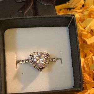 Jewelry - Crystal Heart Shape Ring